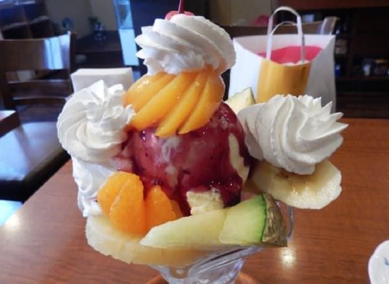 甘さの強いフルーツほど後半に