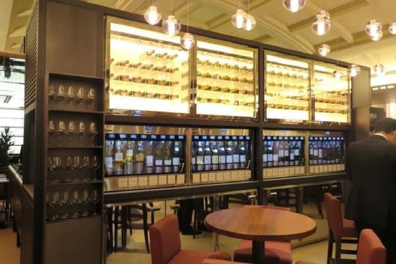 高級ワインもグラスで楽しめるサービングシステム