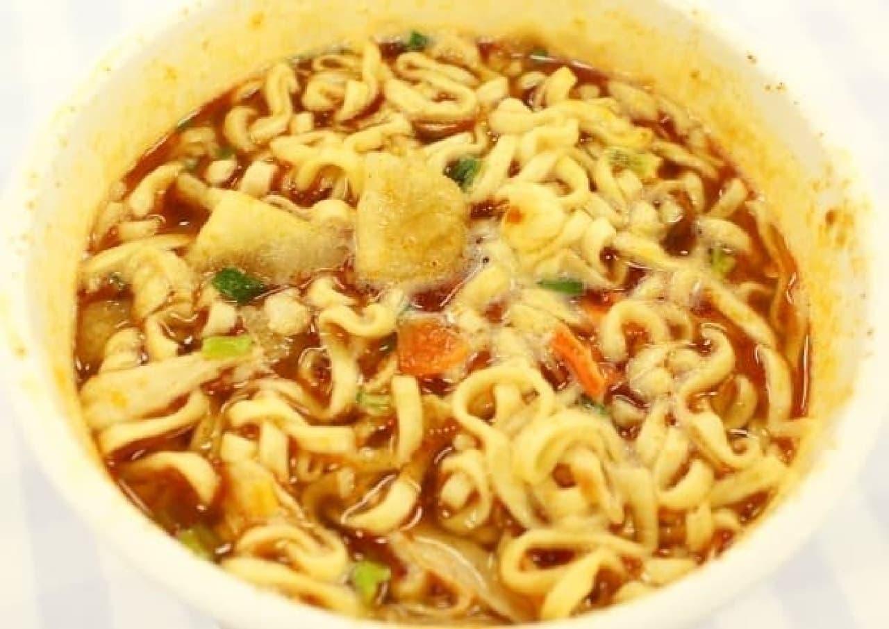 スープにマッサマンカレーらしさが凝縮してるに違いない
