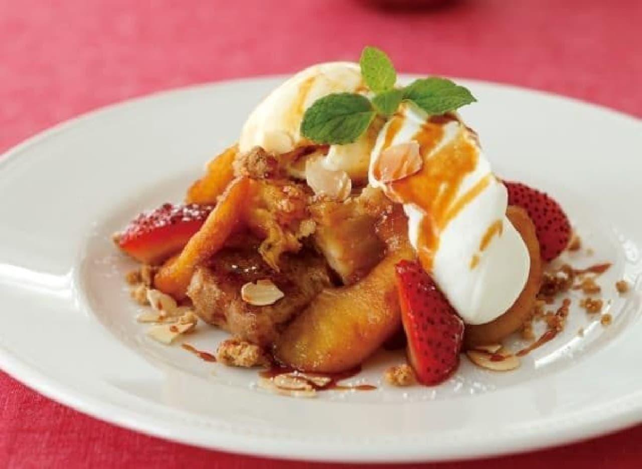 人気のアップルパイとフレンチトーストが合体!?