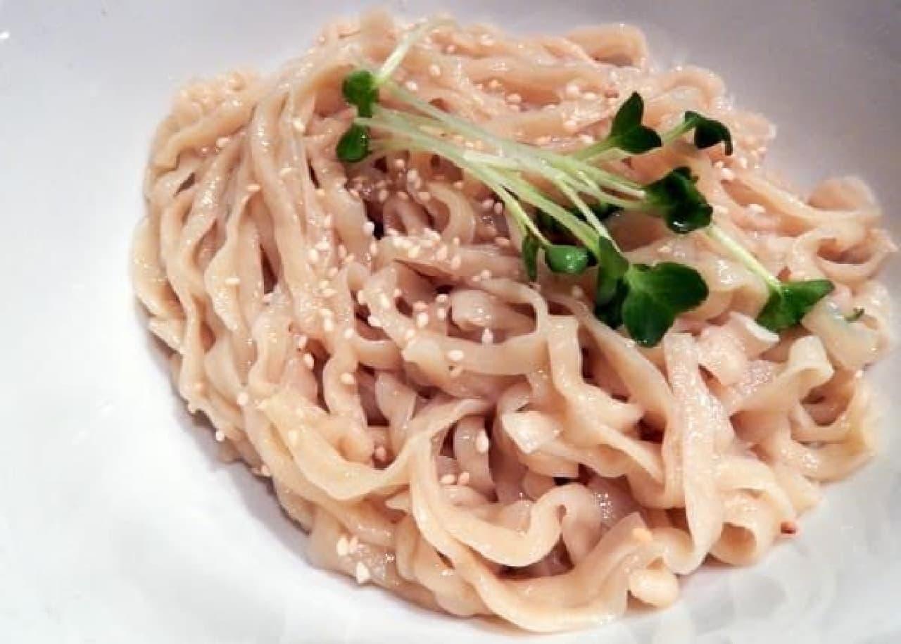 もっちりとした中太麺