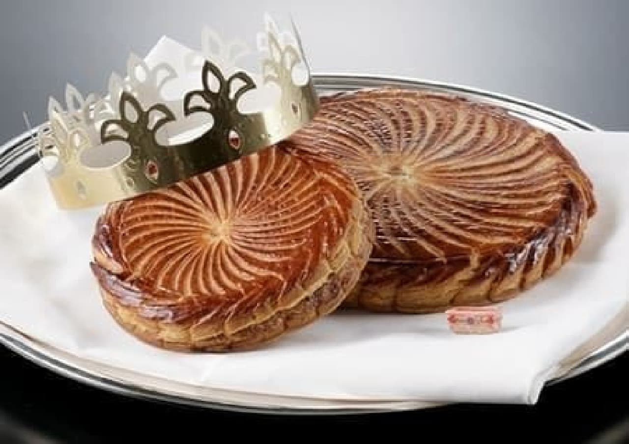 """フランスの伝統菓子""""ガレット・デ・ロワ""""が今年も!"""