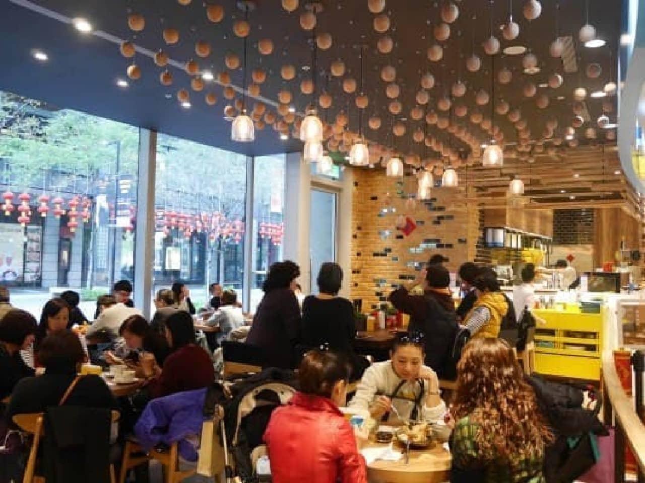 台湾の店舗は連日大にぎわい