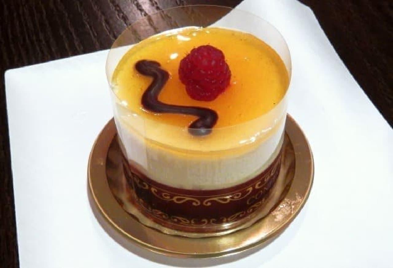 1番人気のリリコイチーズケーキ