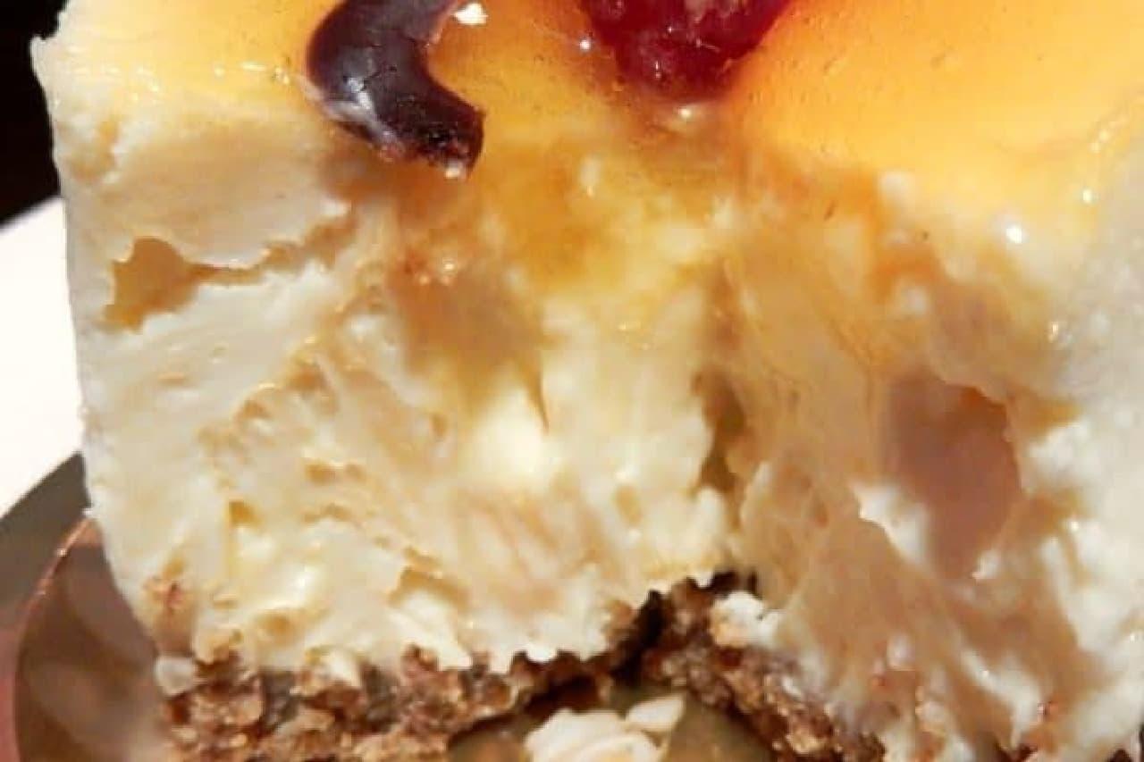 ホイップのような、クリームチーズのような、絶妙な口どけ