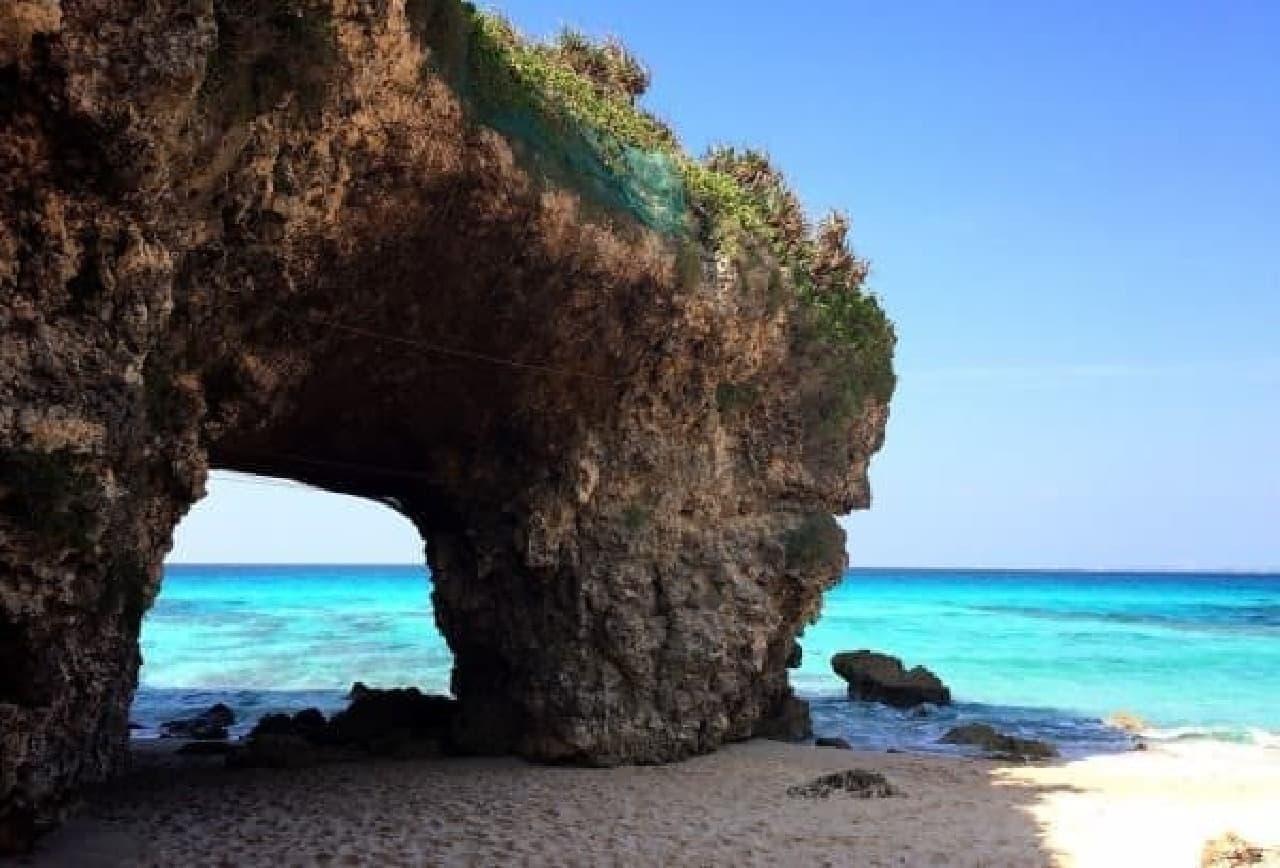 宮古島の圧倒的な風景  (写真は砂山ビーチ)