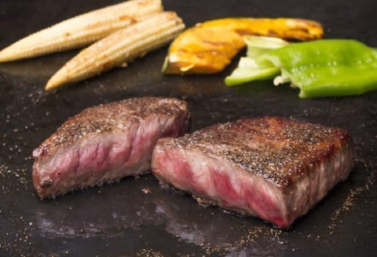まるで旅をするように、肉を味わうコース
