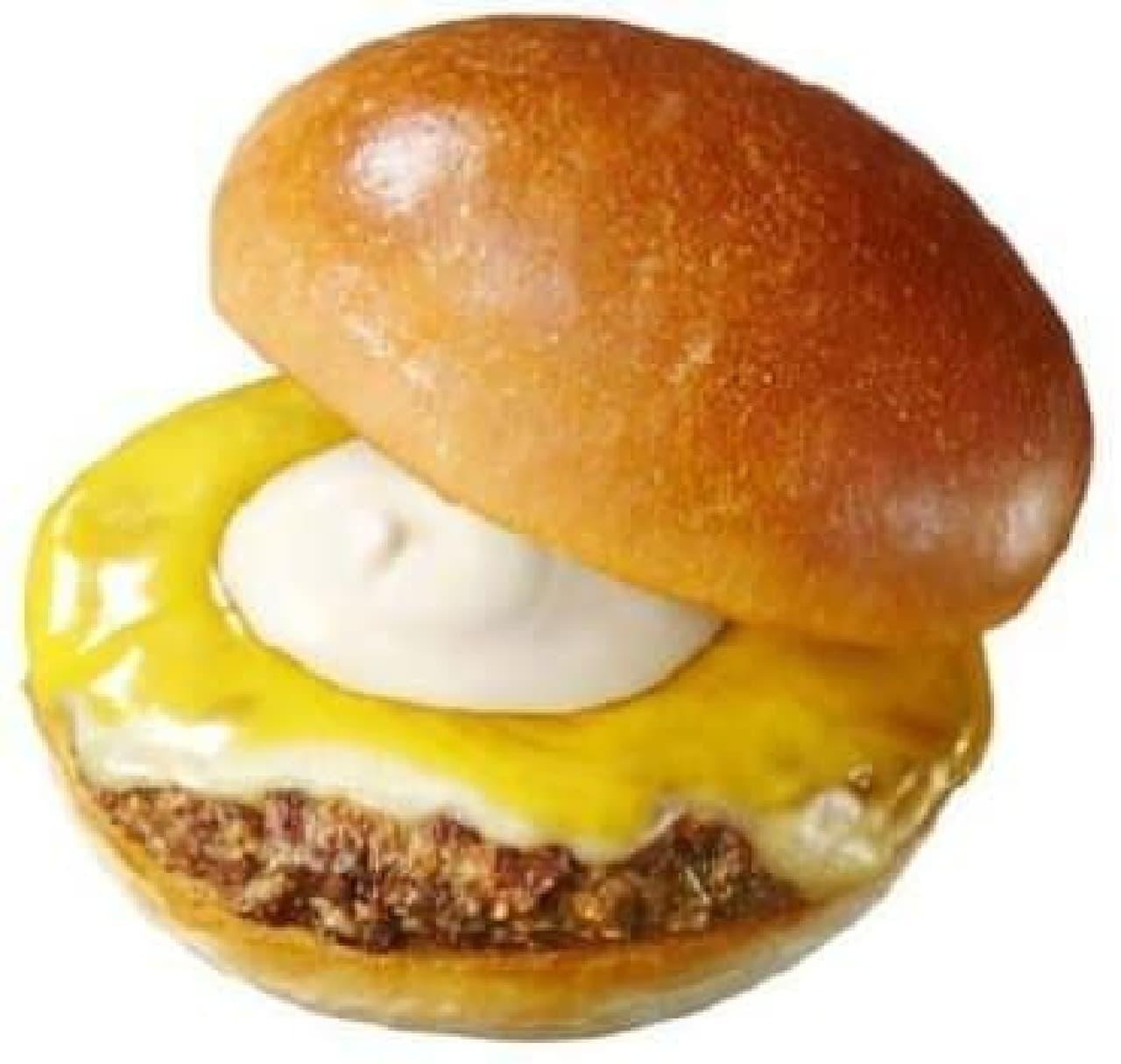 冬にぴったり!チーズがクリーミーな『絶品』バーガー