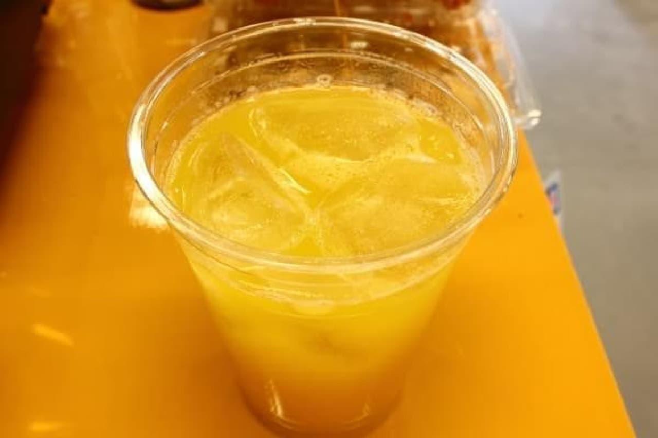 黄色いけれどトマトのチューハイ。濃厚なトマトジュース風