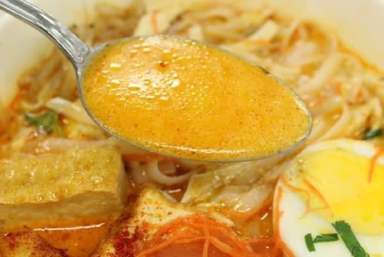 スープが濃厚な分、具材はさっぱり系