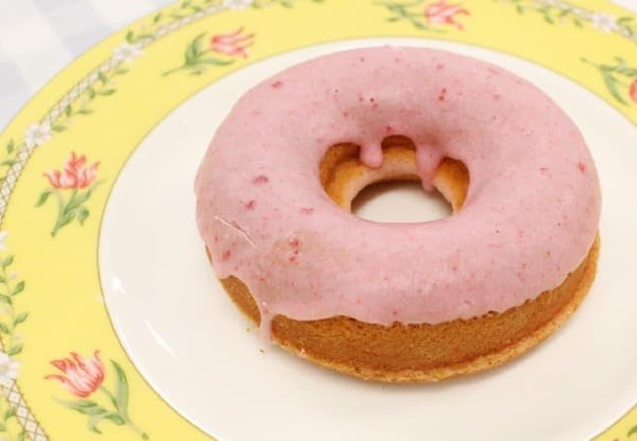 春らしいピンクのドーナッツ