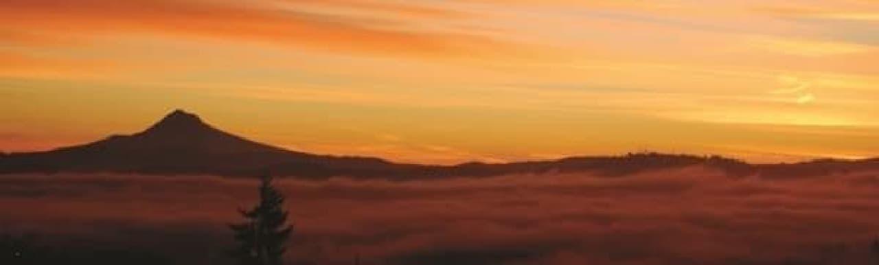 数々のスキー場を有するフッド山