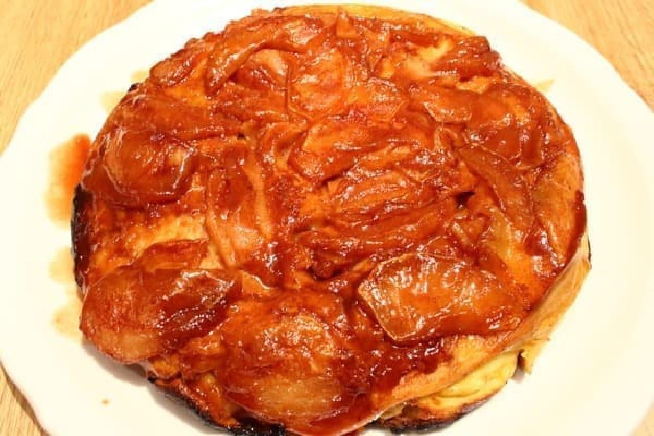 こちらも名物のアップルパンケーキ