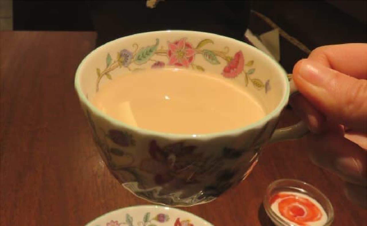 紅茶の芳香を存分に楽しんで