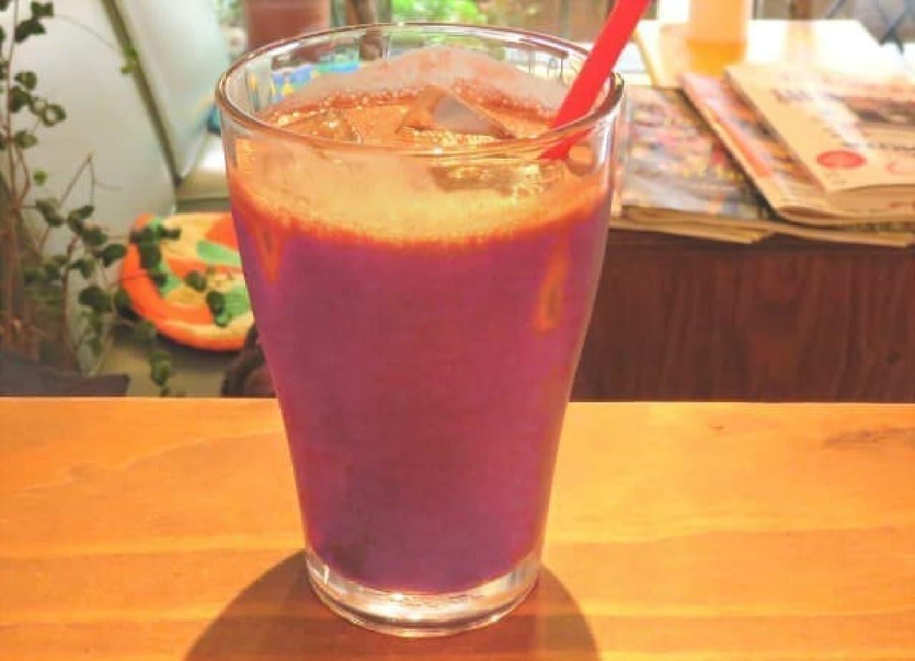 インパクトのある紫色の「アサイーオレンジ」