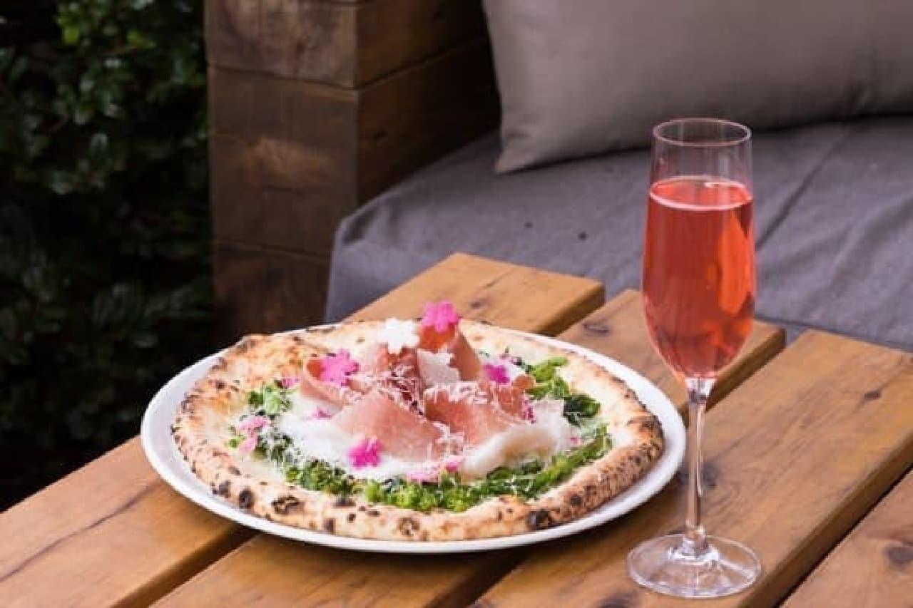 開花にあわせて訪れたい、桜が見えるレストラン  (画像:毛利 サルヴァトーレ クオモ)