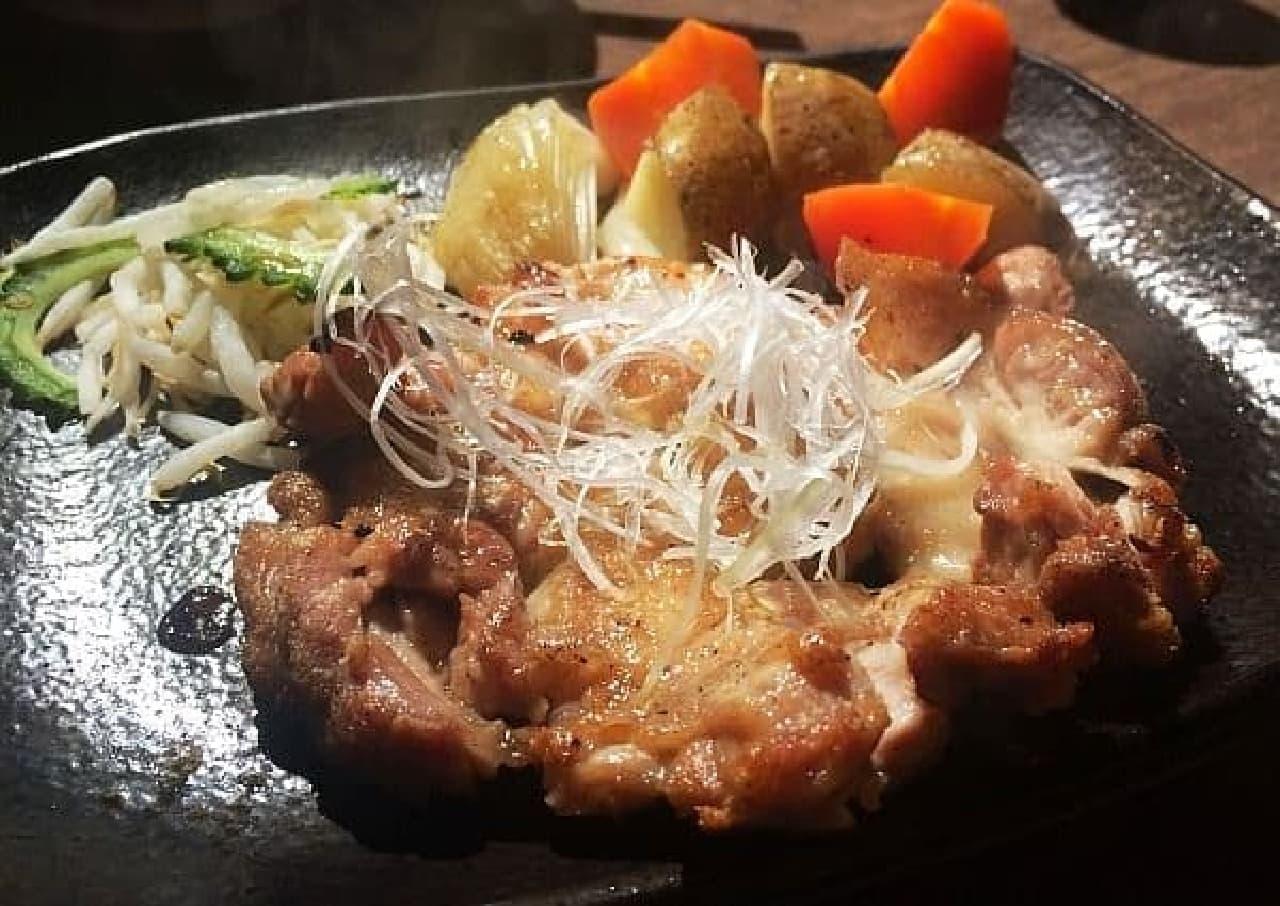 ジューシーな香潤鶏の柚子胡椒焼き