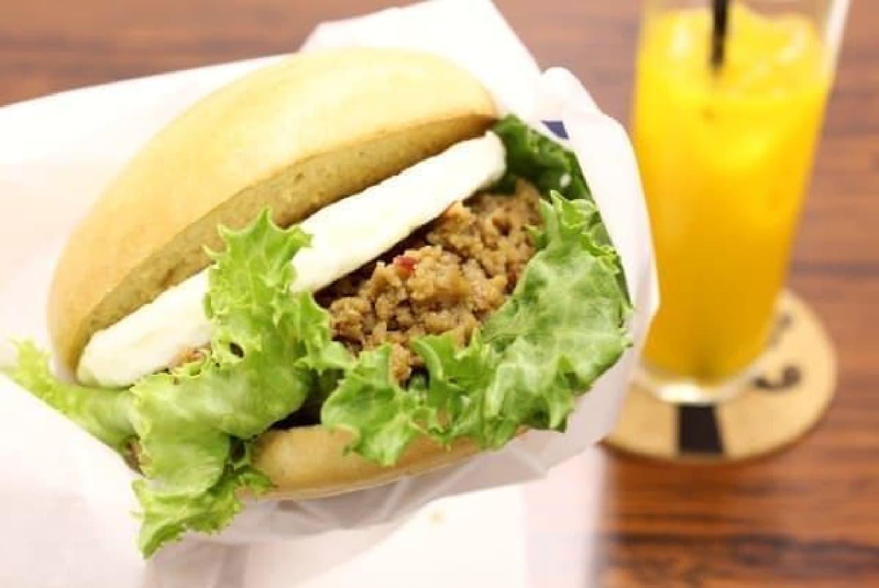 タイ料理とベーグルの組み合わせって斬新