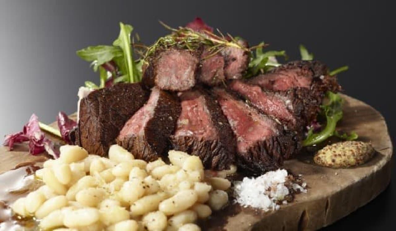 写真はオステリアバル リ.カーリカの「和牛ステーキ」