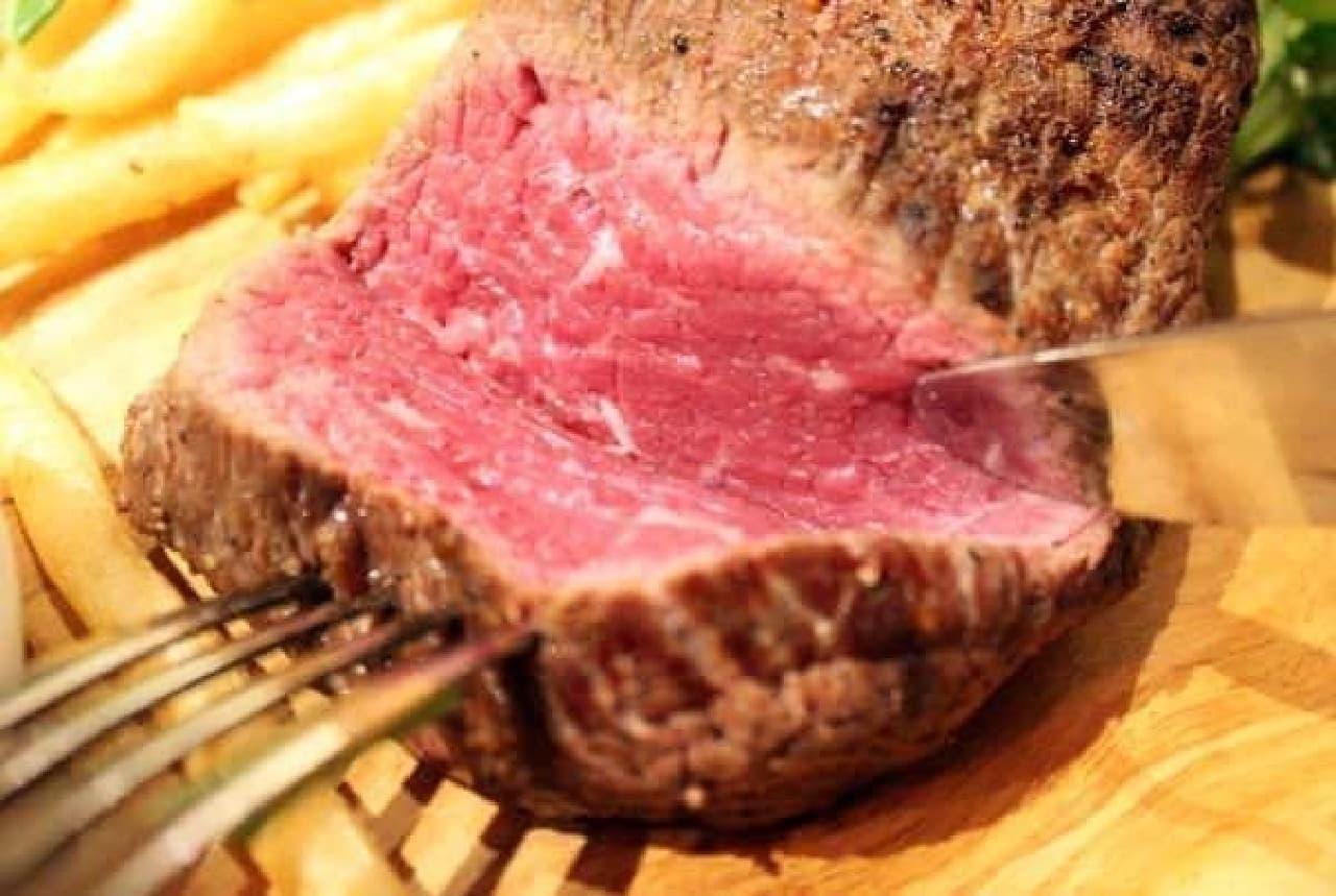 ヴェールを脱いだ美しい赤身肉