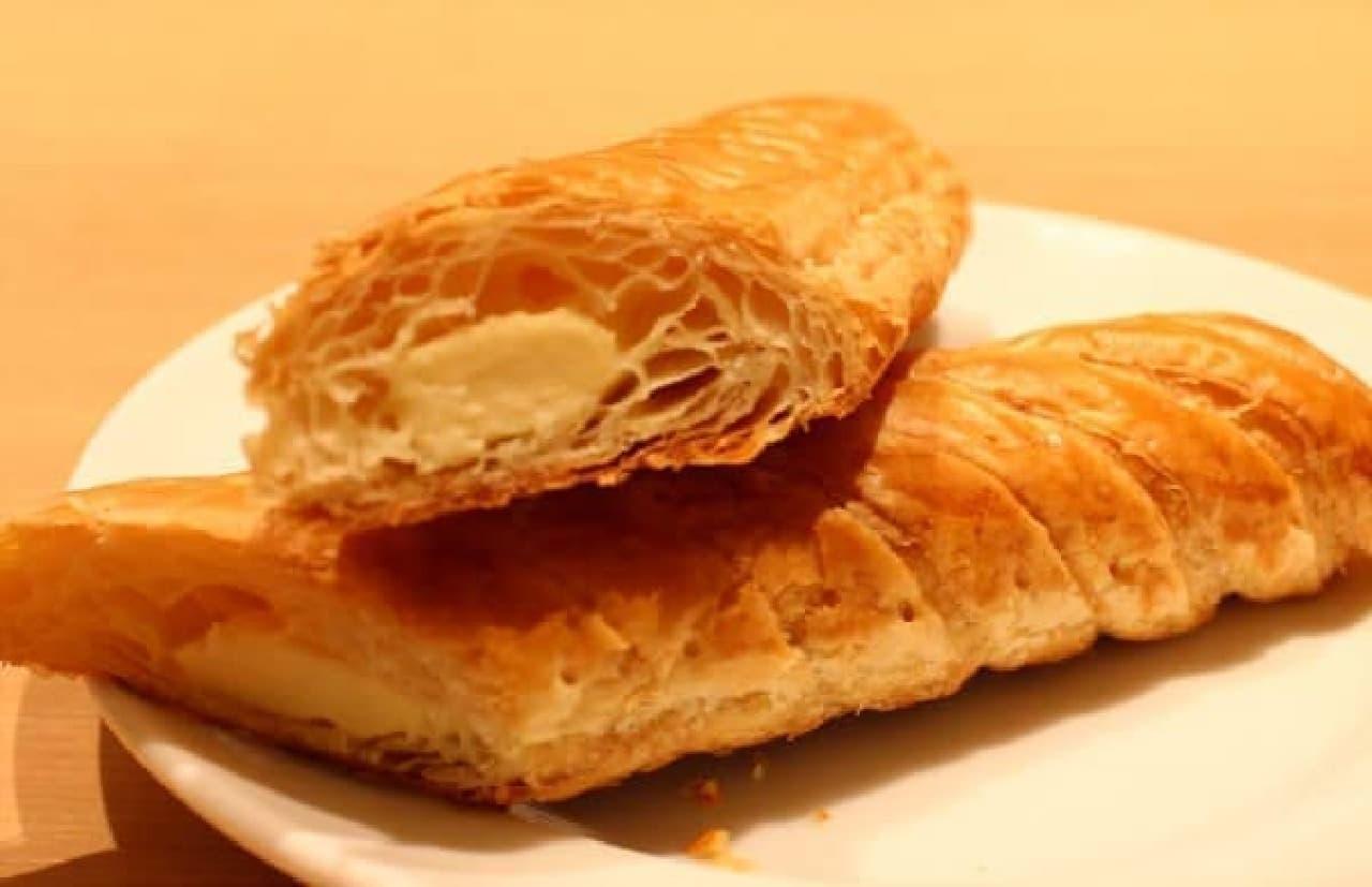 スティック状のパイにチーズ in