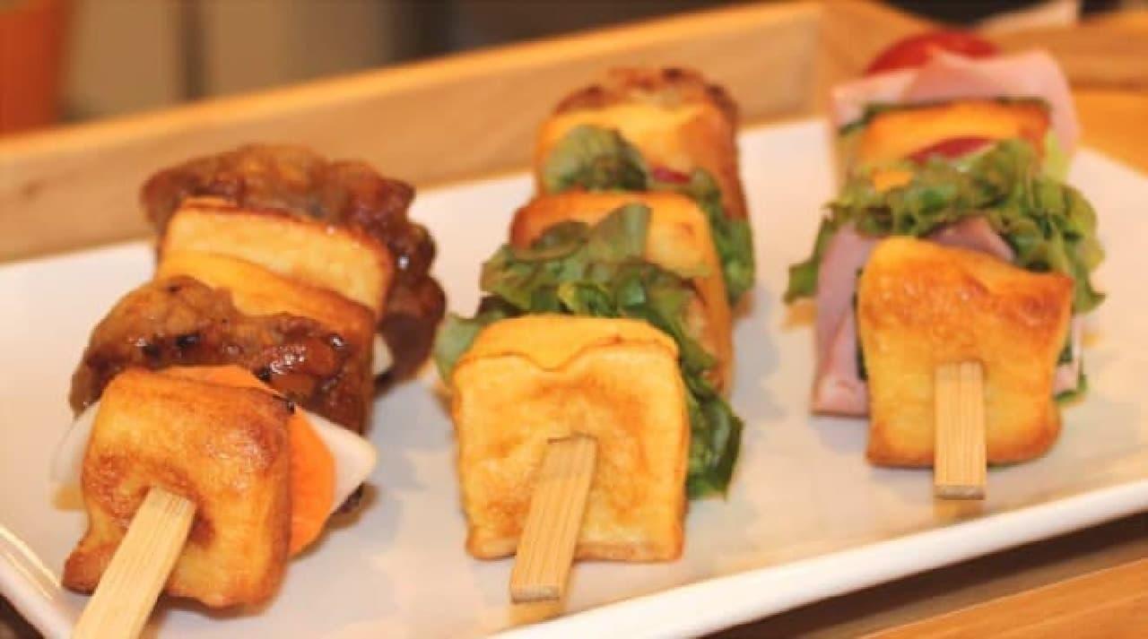 表面積の多い串サンドは、パンが乾かないようフレンチトーストを採用