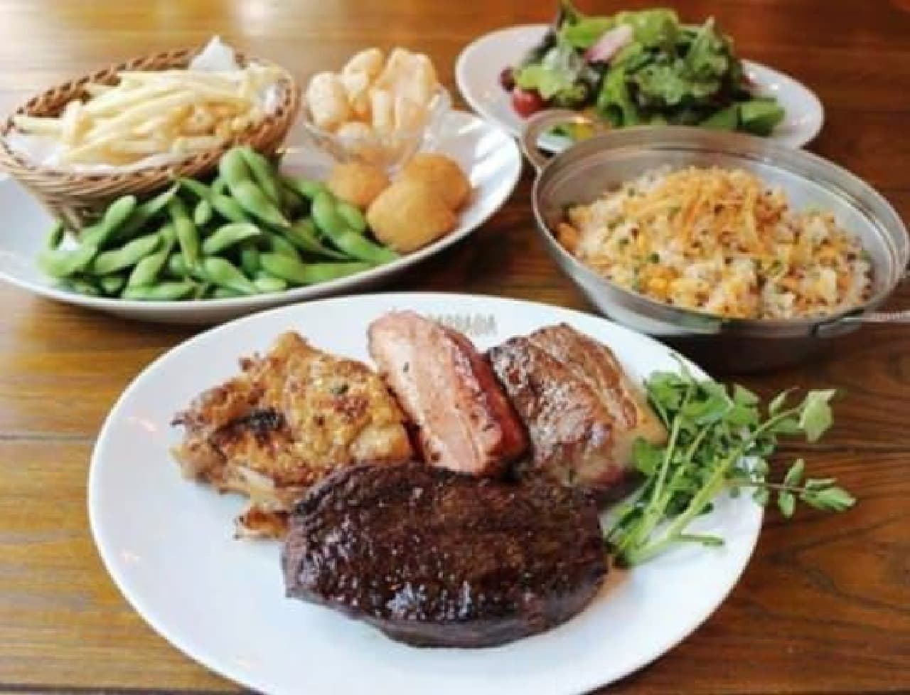 しっかり食べたいなら、10品あるバルバッコアコースを!  (提供:バルバッコア)