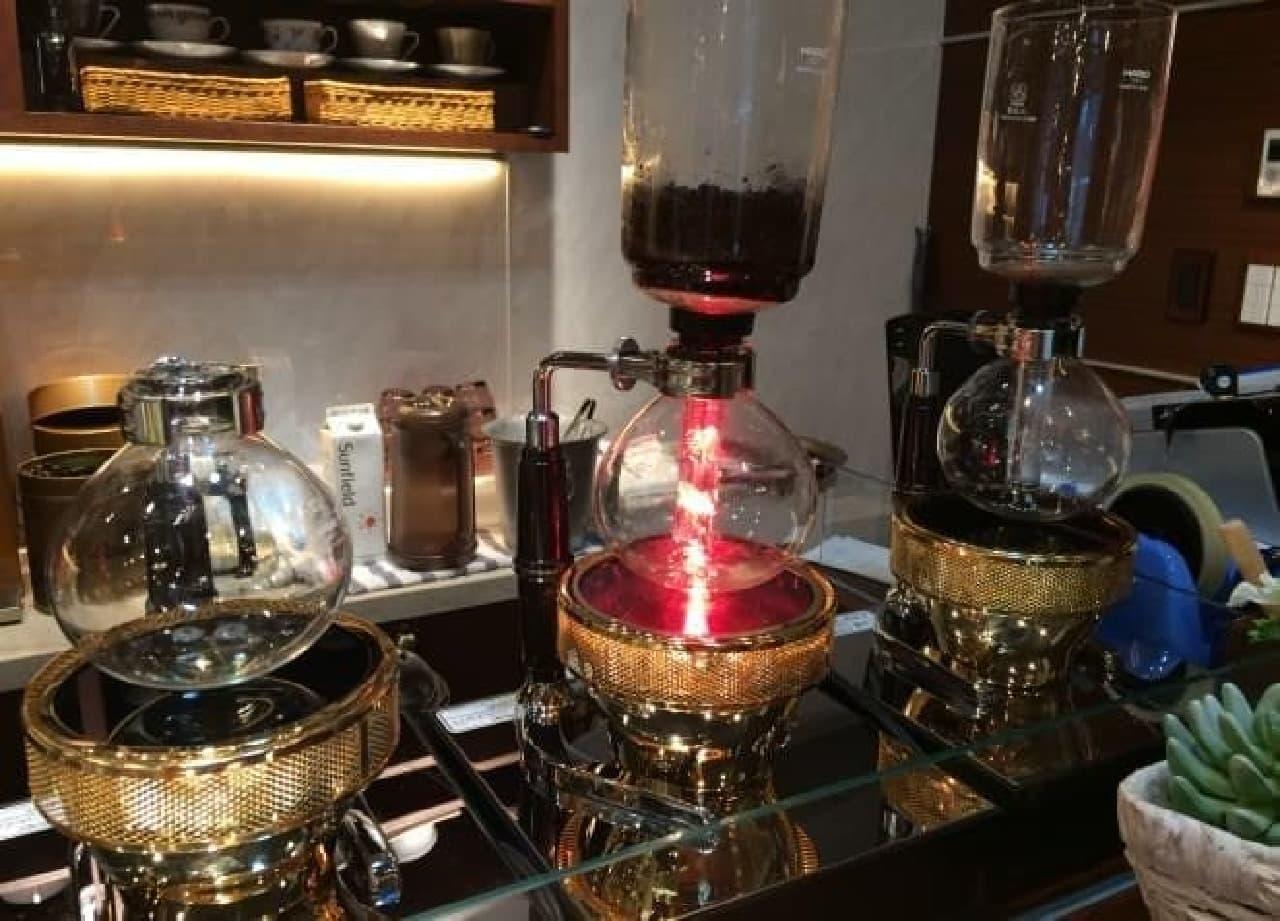 お店の雰囲気にぴったりなコーヒーサイフォン