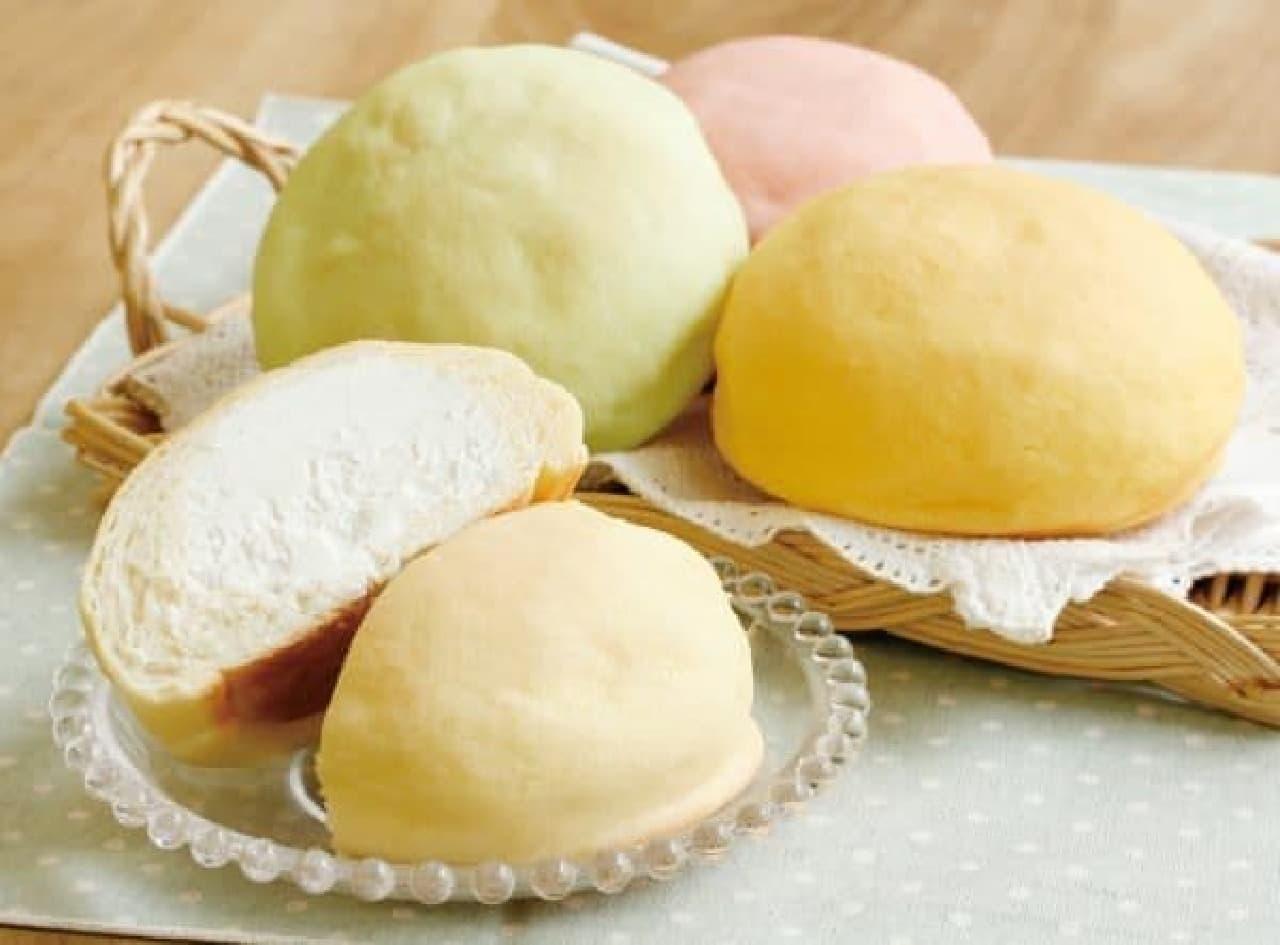 メロンパンの中に、冷たいクリームがたっぷり!