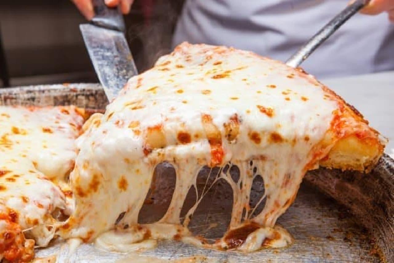 ぶ厚いピッツァが人気の SPONTINI が日本へやって来る!