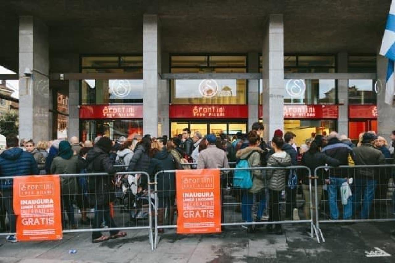 並ぶ習慣がないイタリアで、行列ができるほどの人気だとか