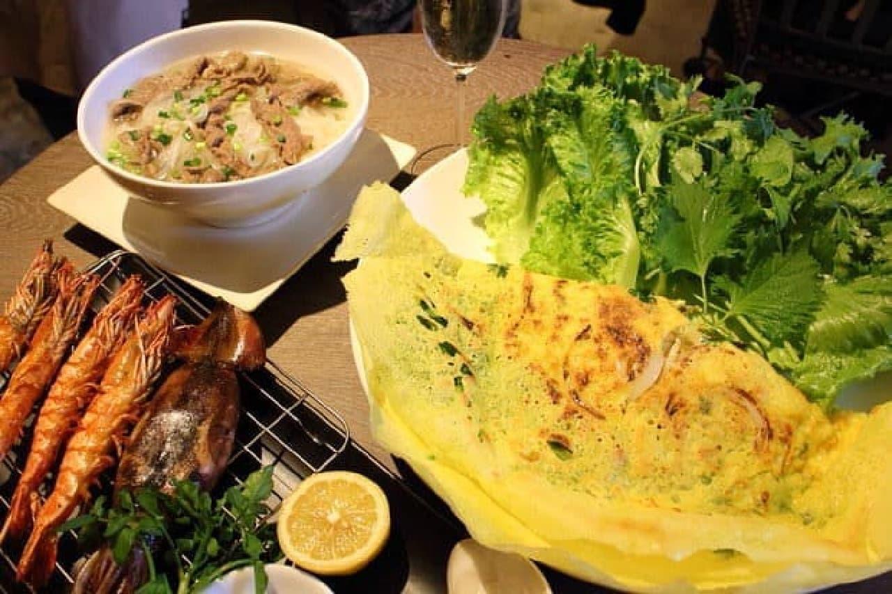ちょっと意外な味がする?ベトナム料理「バインセオ」