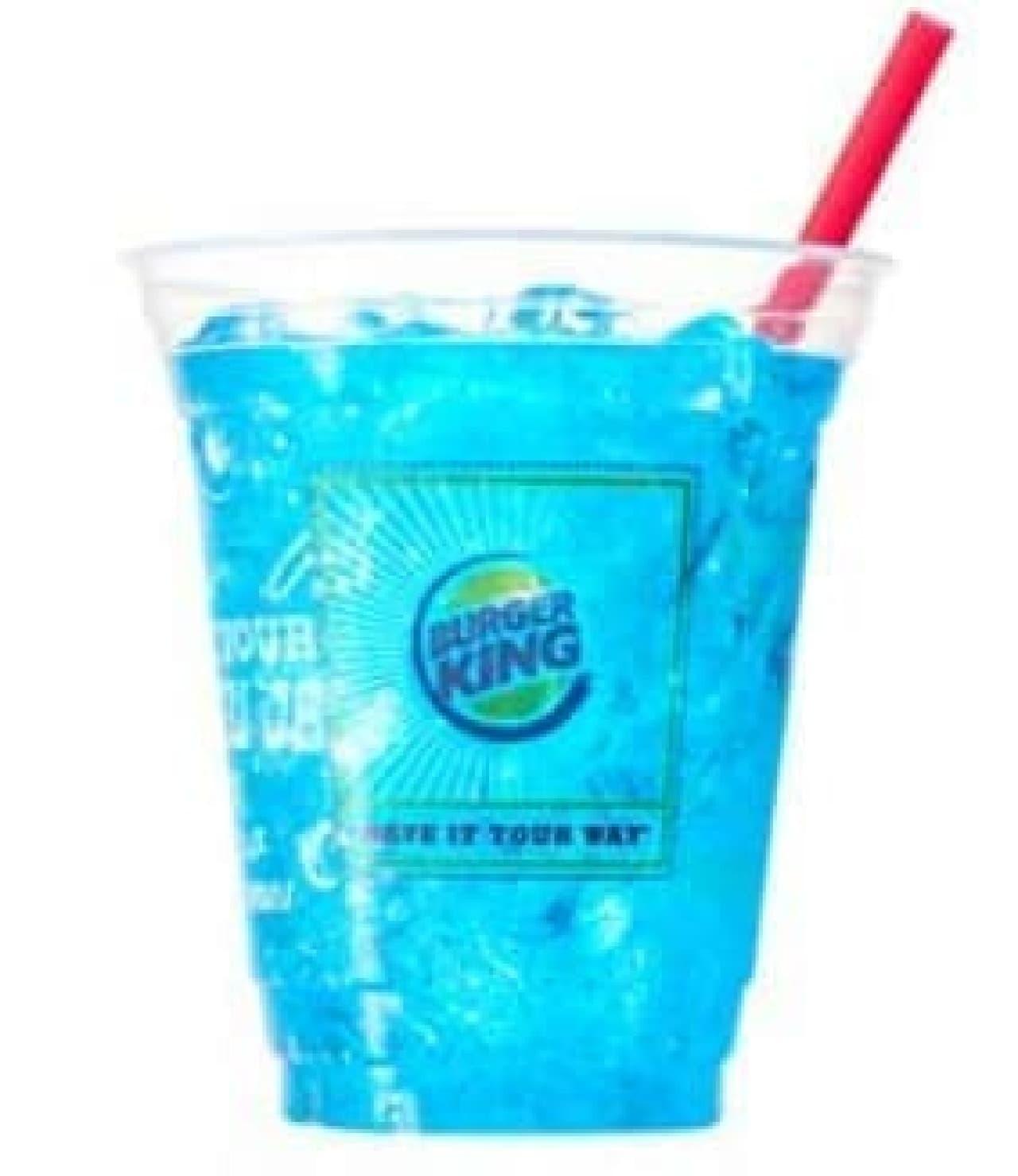 夏らしい青色「ブルー スパークリング」