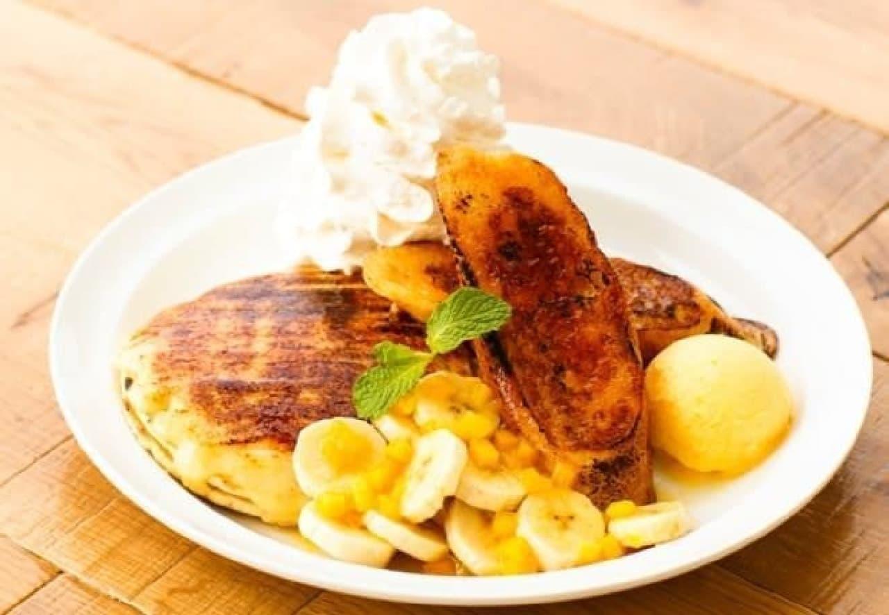 フレトーとブリュレパンケーキを一緒に味わえる特別な一皿