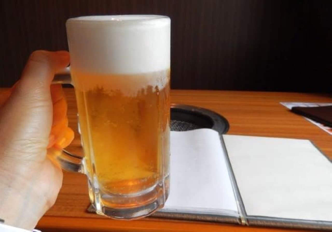 辛いのでとりあえずビールで気を紛らわす