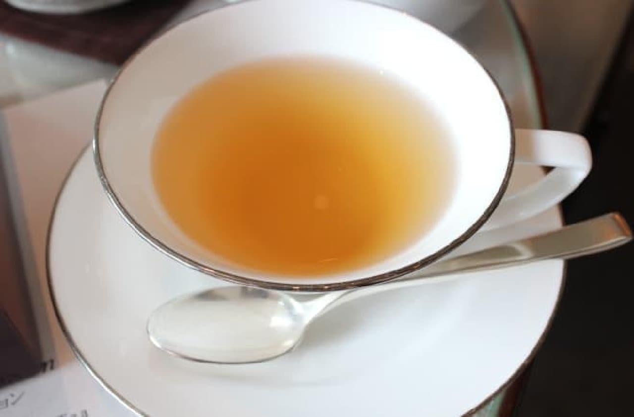 写真はほのかに金木犀が香る「桂花茶」