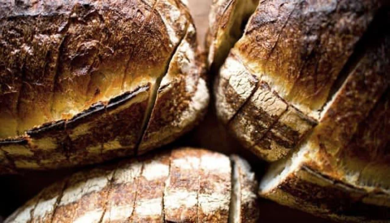 """""""全米 No.1""""のパンが食べられるのは、まだ先かも…  (画像の出典は TARTINE BAKERY & CAFE 公式サイ)"""