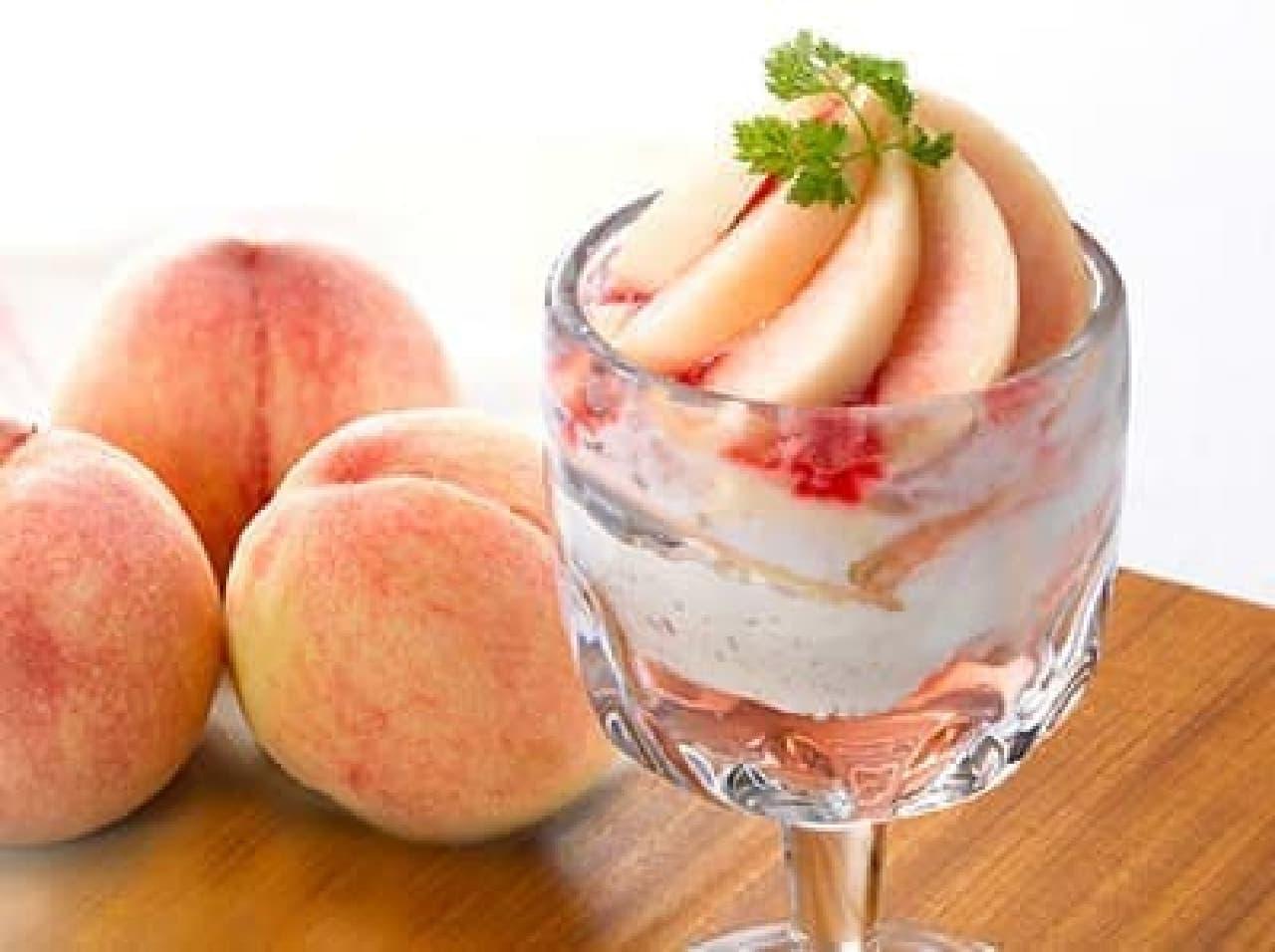 フレッシュ桃のパフェ ~ピーチ・メルバ風~