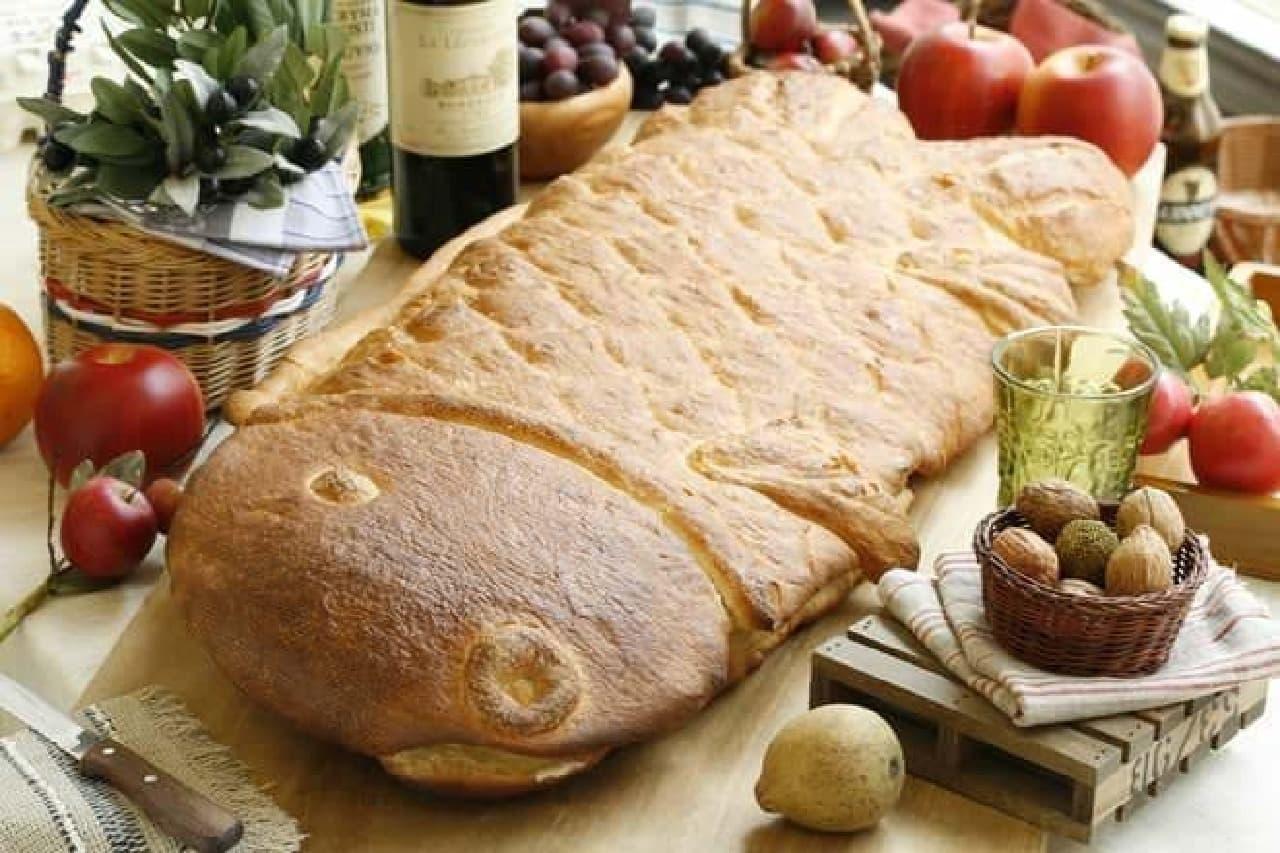 魚型のフランスパン「グランドポワソン」