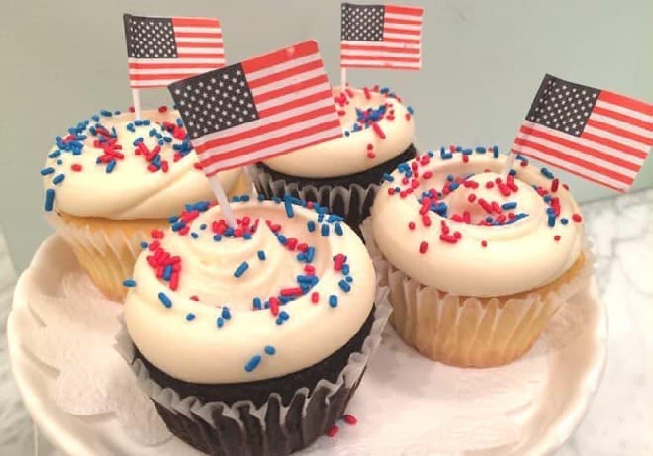 独立記念日を祝したカップケーキ登場