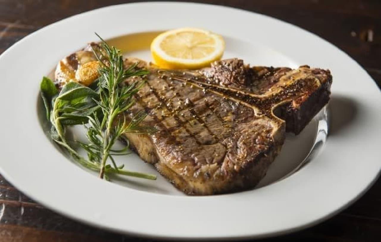 さまざまな肉料理がラインナップ
