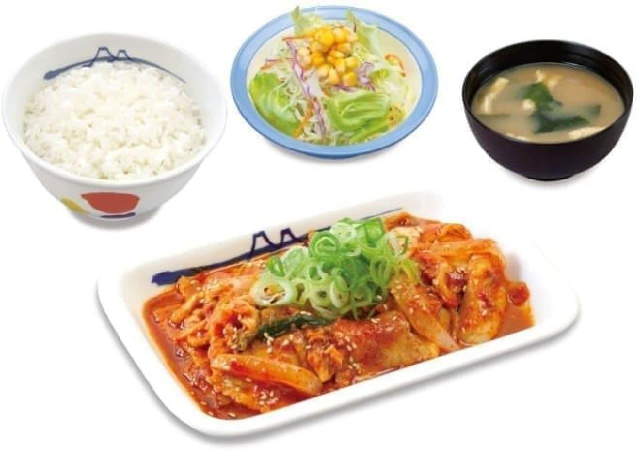 暑い夏はピリッと辛い豚キムチ定食!