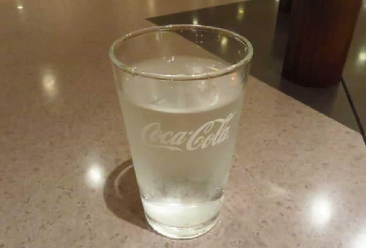 飲み物は「水」がベスト