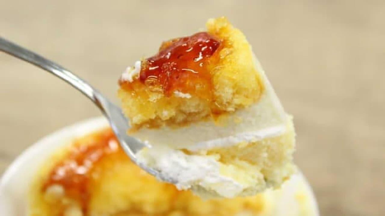 ひと口でふたつのチーズケーキを味わう贅沢
