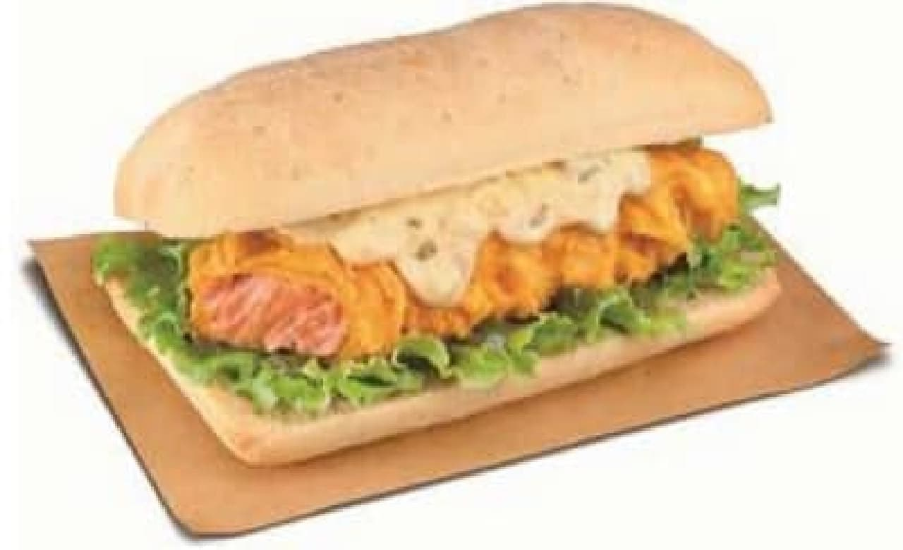 フライドサーモンのサンドイッチも登場