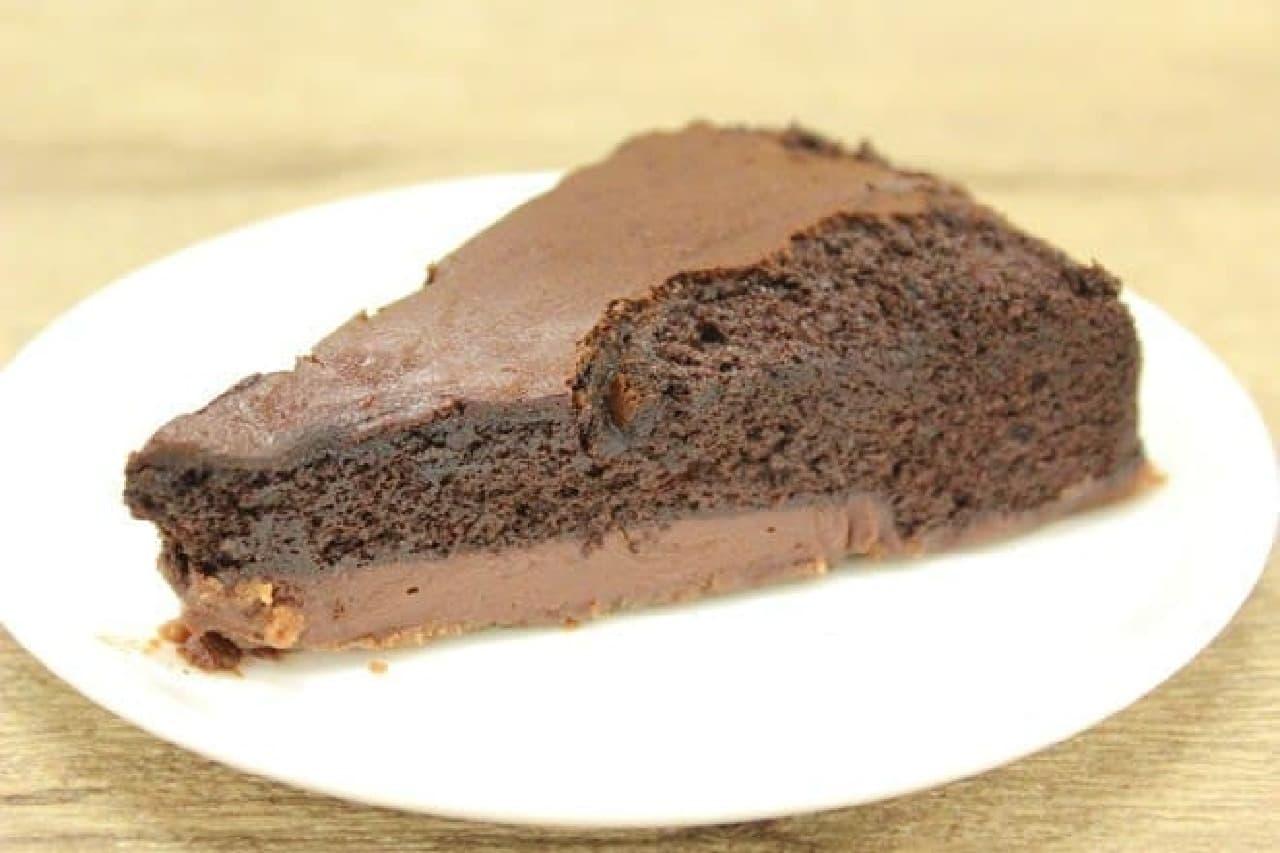 下の方の色が薄い部分が「生チョコクリーム」