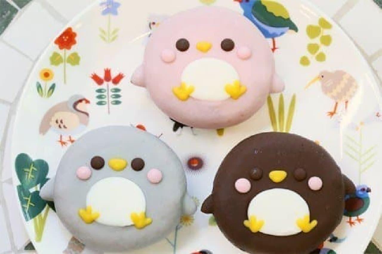 """ペンギンドーナツ""""ペンちゃん""""は3種類!  (出典:ことりカフェ公式サイト)"""