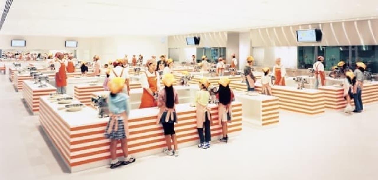 ミュージアム内の手作り体験工房  (画像出典:カップヌードルミュージアム公式サイト)