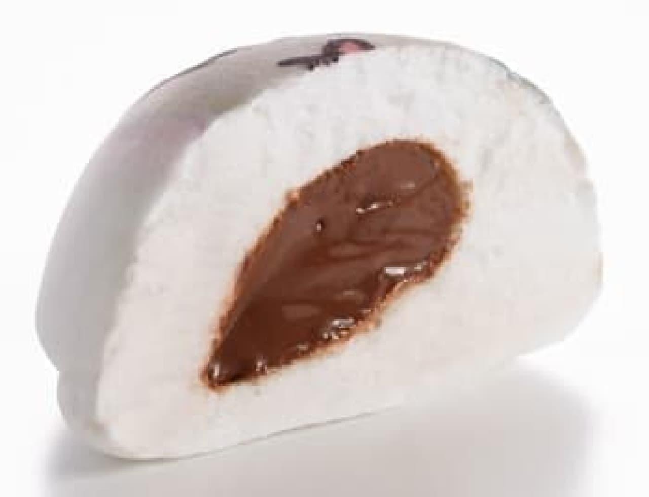 中にはもちろんチョコクリームが