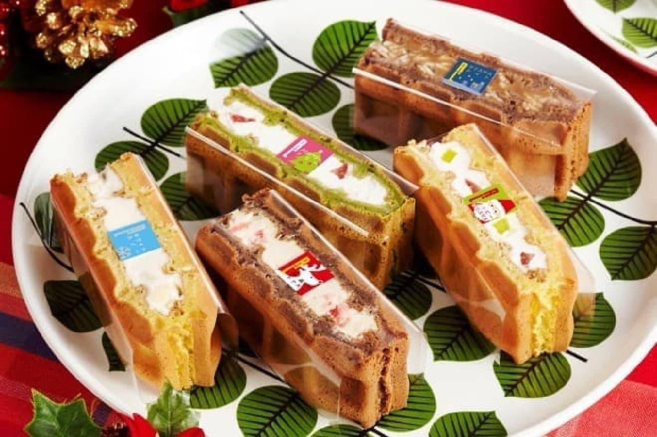 クリスマスらしい色合いのワッフルケーキたちは手土産にも